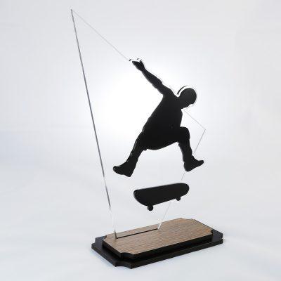 Troféu de Skate em Acrílico e Madeira Série Black Piano | Top Troféus